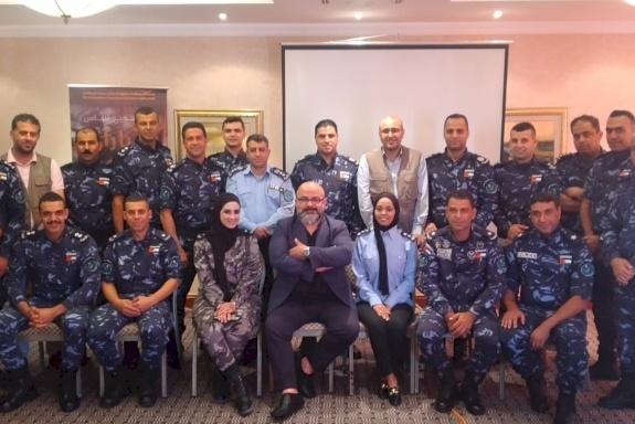 الهيئة المستقلة والشرطة الفلسطينية تختتمان دورة تدريبية لمنتسبي الشرطة الخاصة